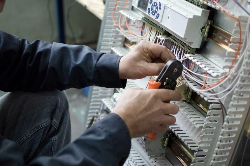 Montajes e instalaciones electricas